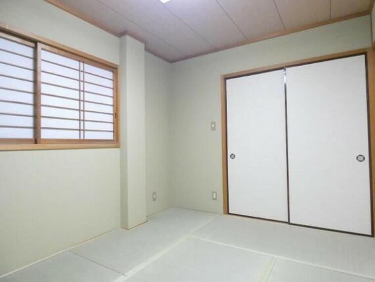 専用部・室内写真 障子を通してやわらかな光がお部屋に届きます。