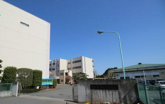 中学校 坂戸中学校(900m)