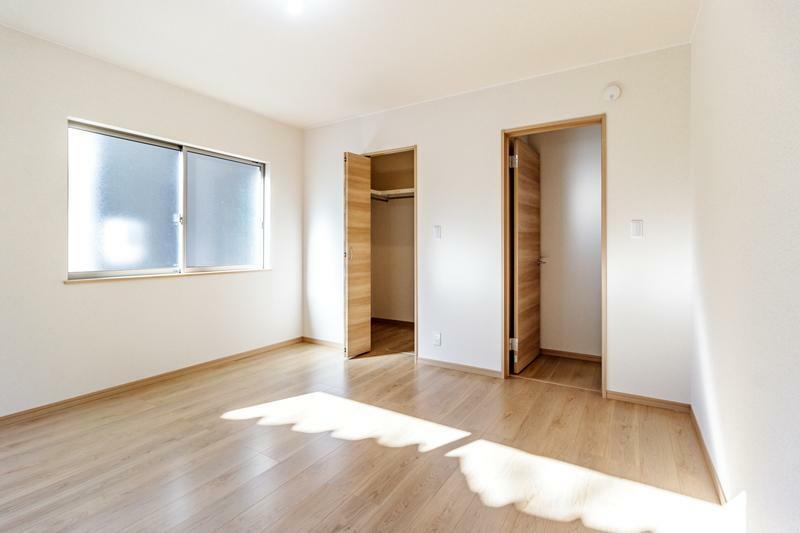 洋室 専用収納スペースが付いたゆったりくつろげる洋室!