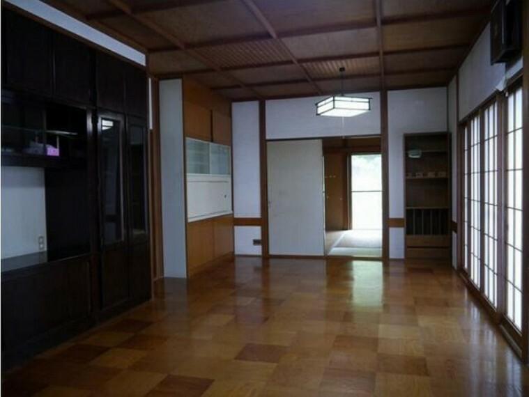 居間・リビング 敷地面積は広々約152坪ございます。