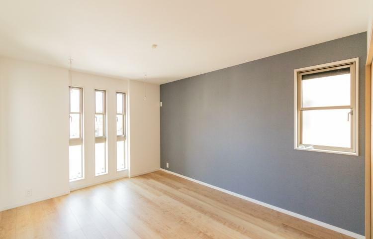 寝室 主寝室にアクセントクロスを採用。疲れを癒すリラックス空間を演出してくれます。