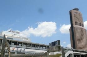 駅   JR「浜松」駅まで2060m 自転車だと約10分ほどの距離です。旅行や通勤・通学に大変便利な場所に位置しています。