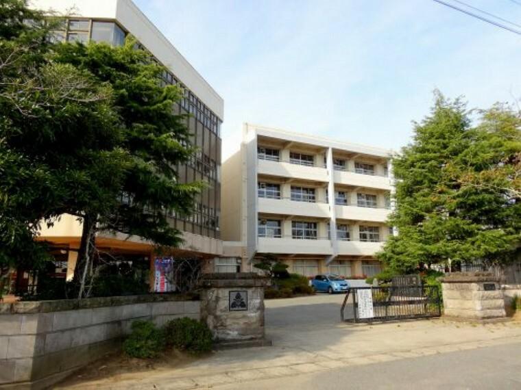 中学校 【中学校】白里中学校まで1456m