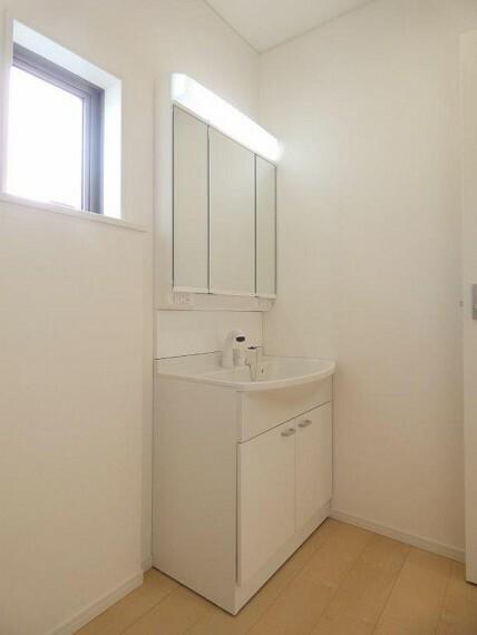 洗面化粧台 シャワー水栓付き浄水器