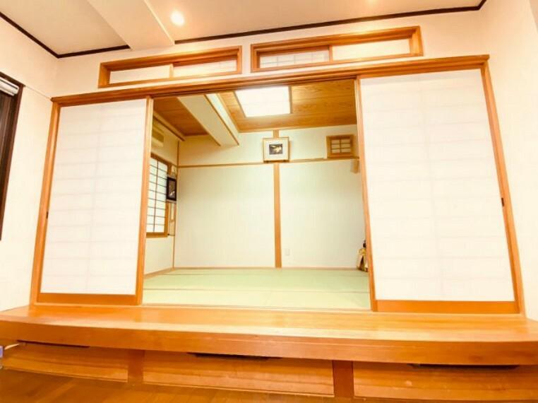 和室 リビング横の和室。急なご来客でもすぐに対応可能です。