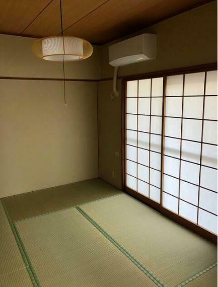 和室 和室に新品エアコン設置済み。