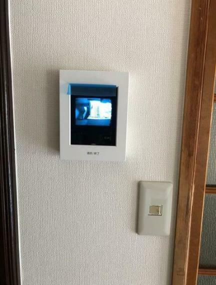 TVモニター付きインターフォン 安心のモニター付きインターホン有り。