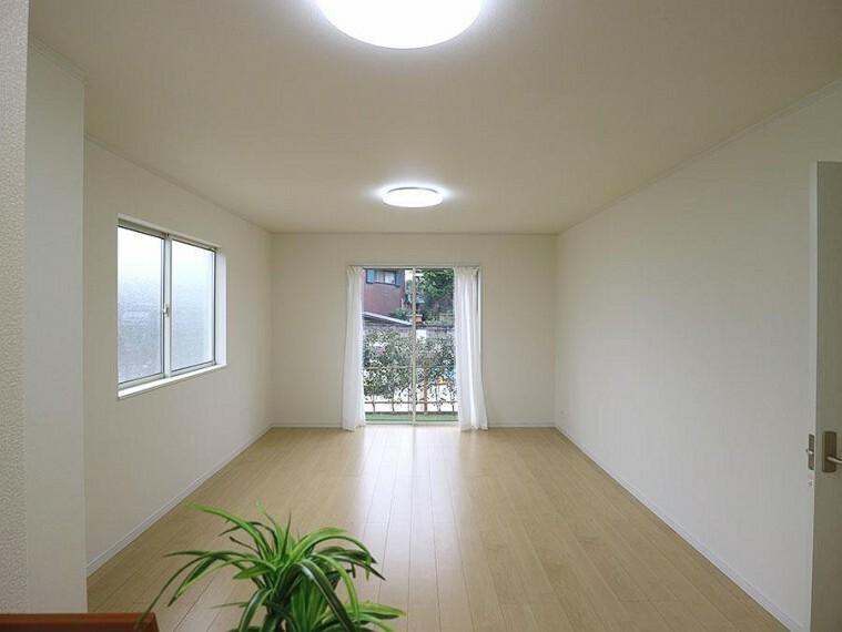 居間・リビング ~living room~  休日はお陽さまの光をたっぷりととりこめるぽかぽかリビングで過ごしませんか?