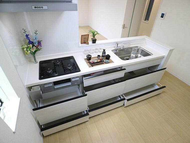 キッチン ~kitchen~ ご家族を近くに感じられる対面キッチン