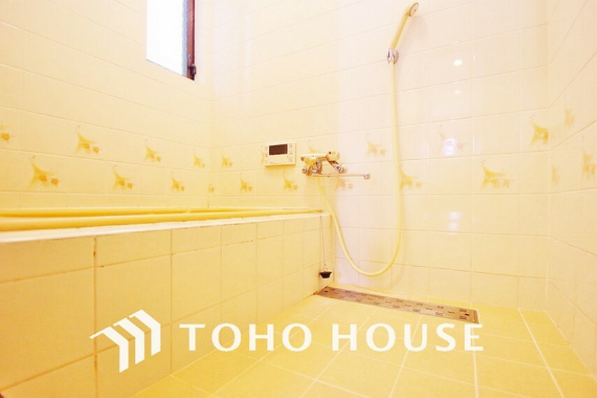 浴室 清潔感のある浴室で、一日の疲れを癒す時間を過ごせます