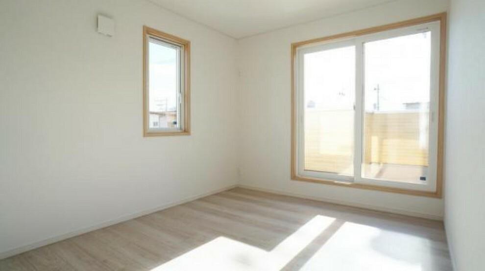 洋室 洋室 たっぷりの陽光と心地よい風が舞い込む住まい