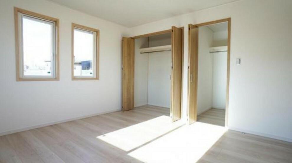 洋室 洋室 全居室に収納をもうけましたので、居室をきれいに保ちます