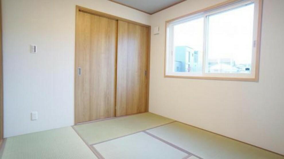 和室 和室 客間としても、お子様のお昼寝場所としても最適。