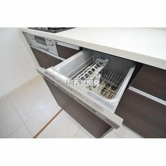 キッチン ビルトイン食洗機を装備!家事の時間短縮や手荒れ対策、さらに節水効果も期待できる優れもの!