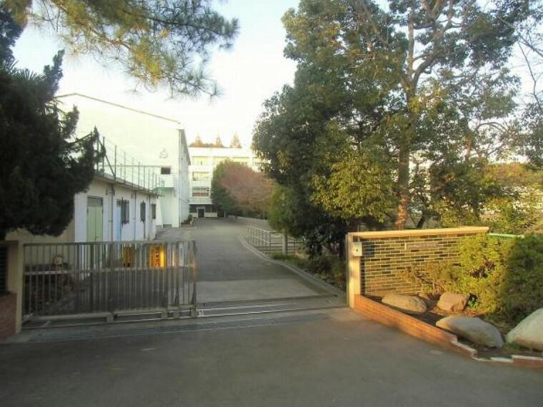 中学校 横浜市立都岡中学校