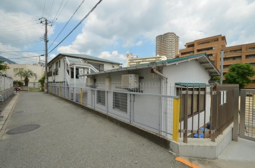 幼稚園・保育園 【幼稚園】宝塚南口幼稚園まで995m