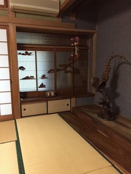 和室 畳の上でゆっくりとくつろげる和室です