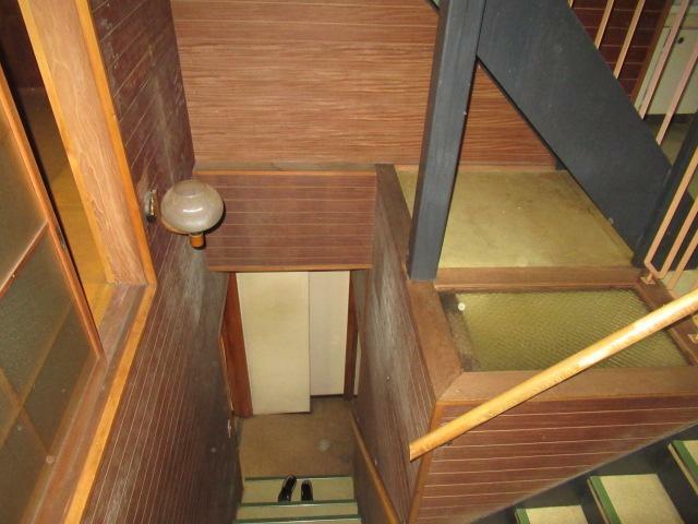 吹抜けの階段室