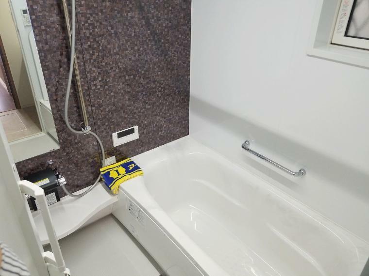 浴室 浴室暖房乾燥機付なので冬も温度差なく入れてご高齢の方やお子様の入浴も安心です