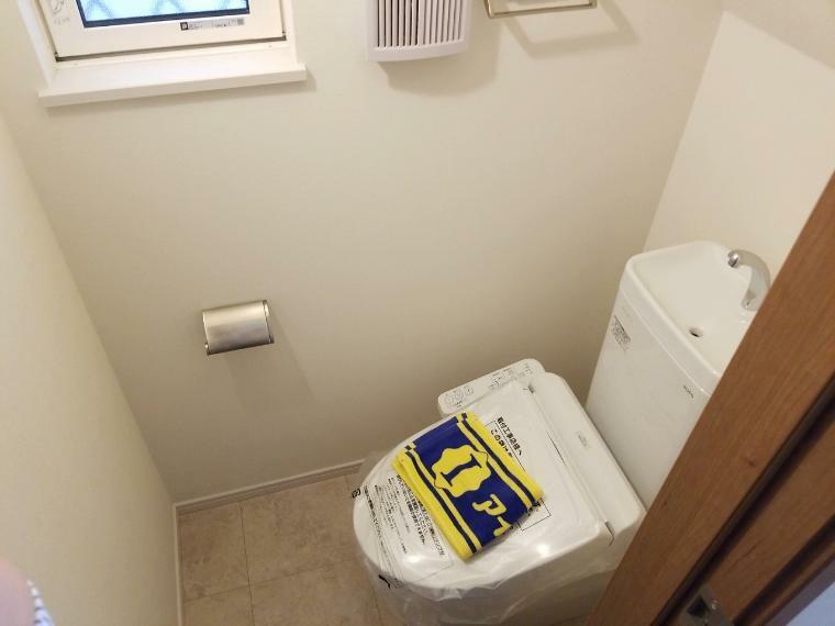 トイレ トイレは1・2階に設置されているので混雑しがちな時間のない朝も安心です