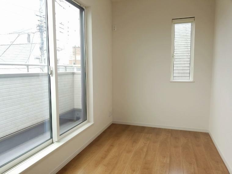 洋室 洋室は選べる4タイプ お子様の成長に合わせてそれぞれに自分のお部屋を作ってあげられます
