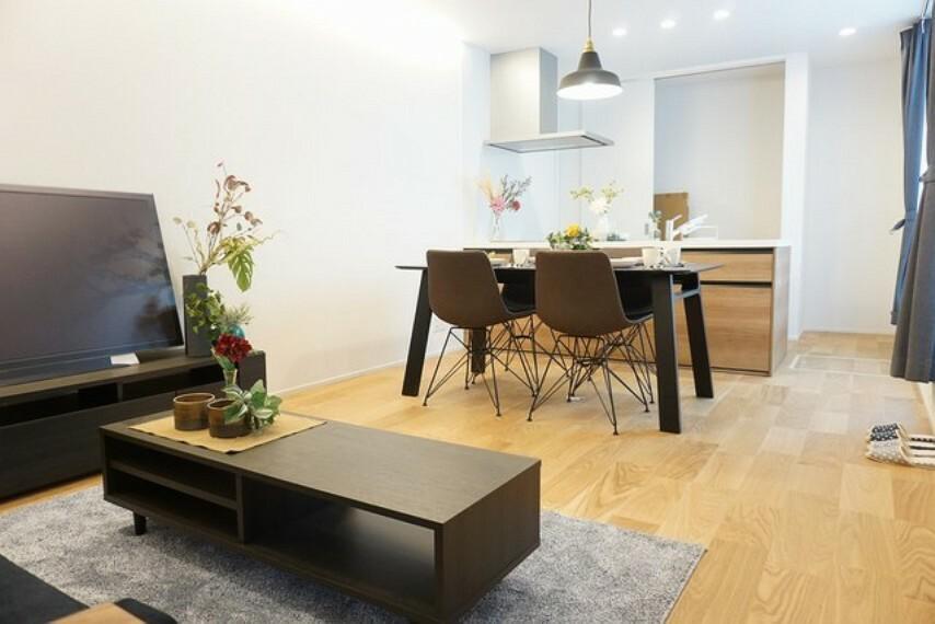 居間・リビング デザイン性の高いおしゃれな空間を作り上げることができますね^^