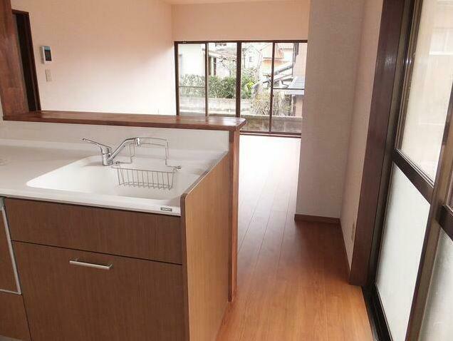 居間・リビング 対面式キッチンへ変更してます。
