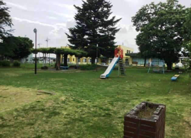 公園 分譲地南側に駒羽根にし公園があります。 徒歩2分(約90m)  2019年5月18日 撮影