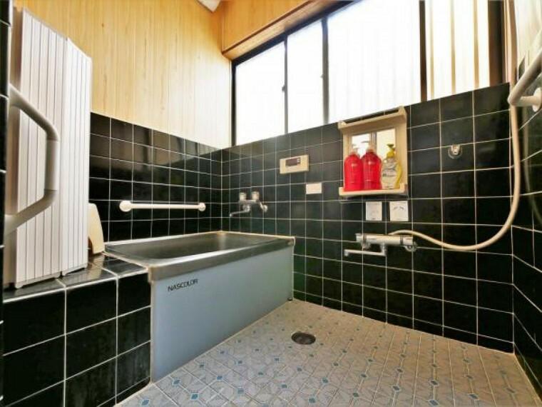 浴室 【浴室】広々とした浴室で一日の疲れが癒せます
