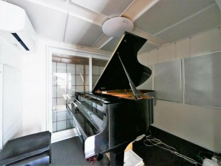 【洋室】防音室完備で楽器演奏も可能です
