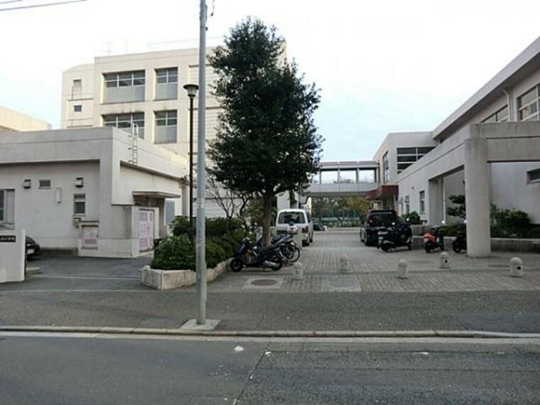小学校 横浜市立仏向小学校 約1170m