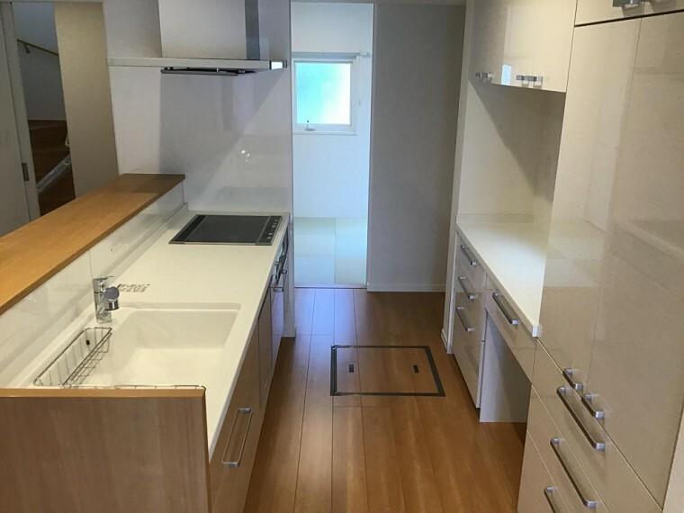 キッチン 【A6号棟】キッチン (2021年3月撮影)