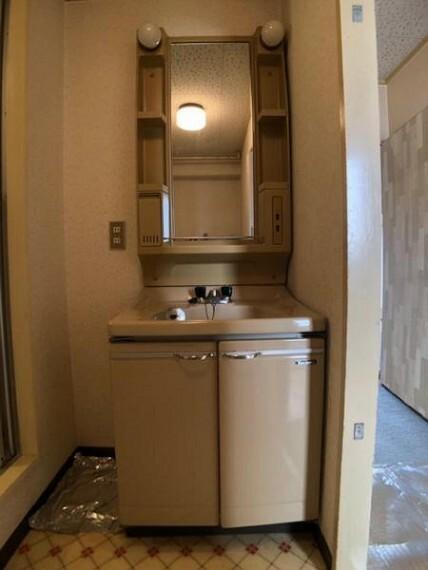 洗面化粧台 サイド収納のある洗面台!(リフォーム承ります!)