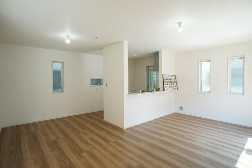 居間・リビング ~living room~オープンでのびやかな空間を生み出す、こだわりの「広がり」と「ゆとり」
