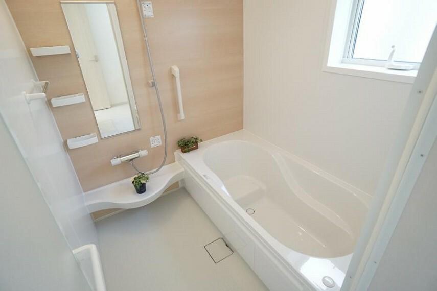 浴室 ~bathroom~  半身浴もゆっくり楽しめる広々浴室