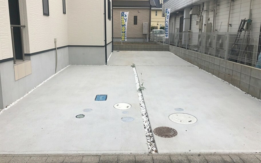 現地写真:駐車場(1号棟)