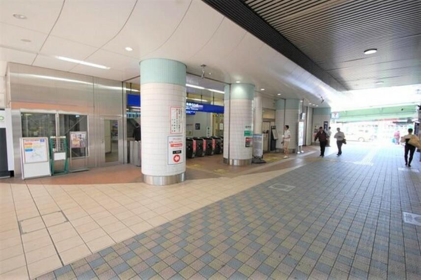 駅前は商業施設も豊富で、おしゃれな雰囲気が漂います。各ニーズに対応可能な環境になっております。