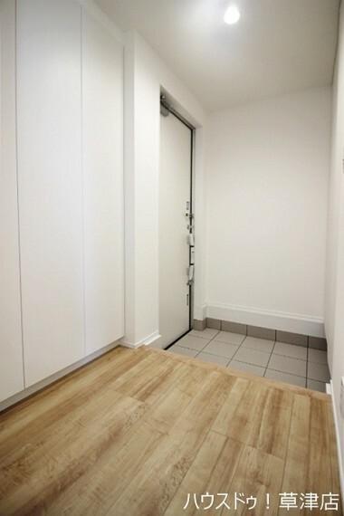 玄関 落着いた雰囲気の玄関です 大容量のシューズボックスがあるのでスッキリ片付きます。