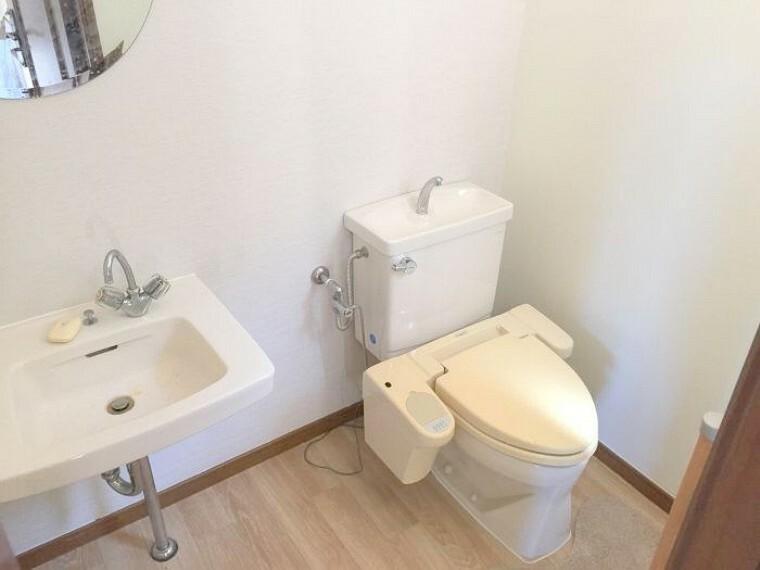 トイレ 外にもトイレがありますよ!