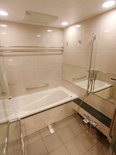 浴室 浴室換気乾燥機付きなので、中に洗濯物も干せます。