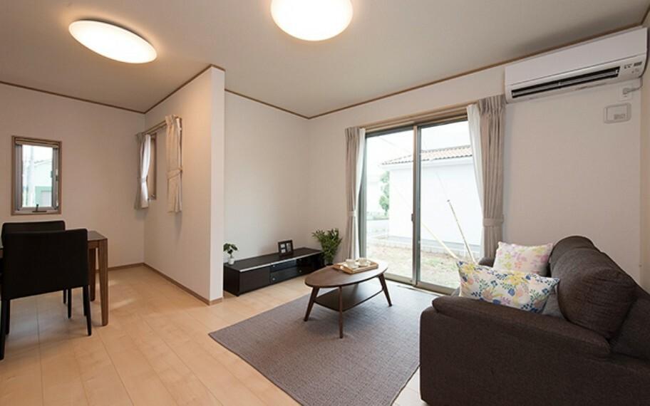 居間・リビング 当社分譲施工例:LDK