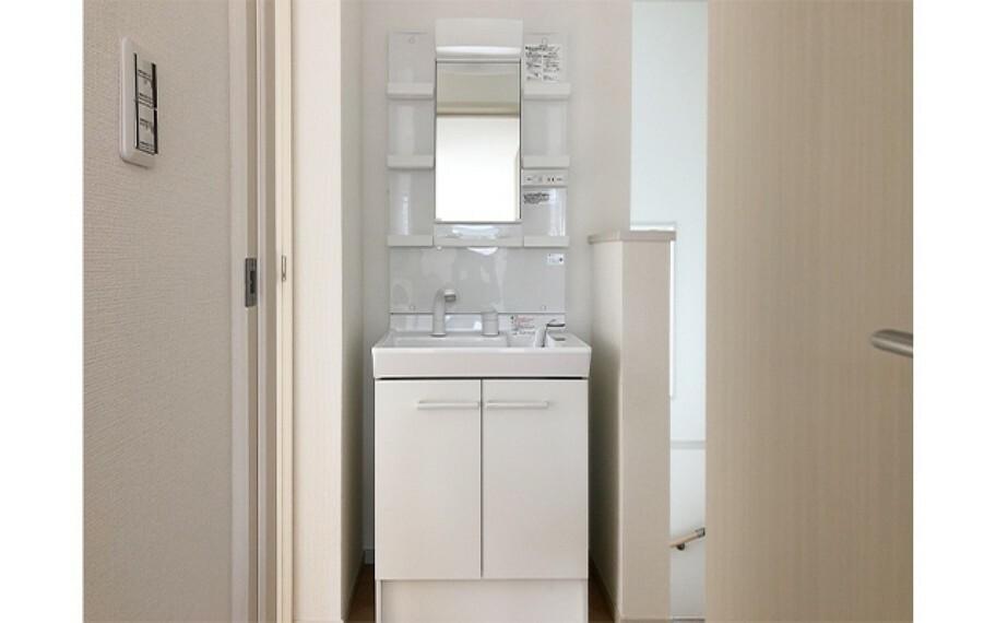 洗面化粧台 現地写真:2階洗面(4号棟)