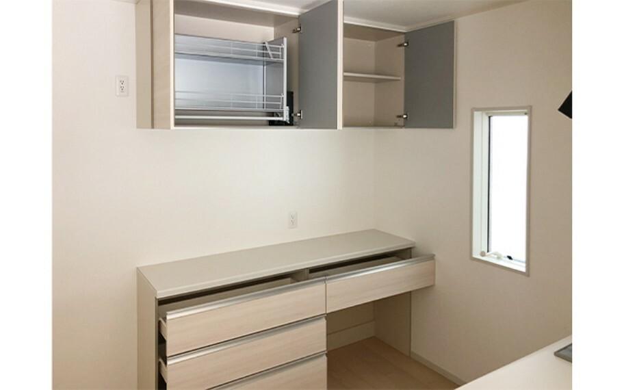 キッチン 現地写真:カップボード(4号棟)