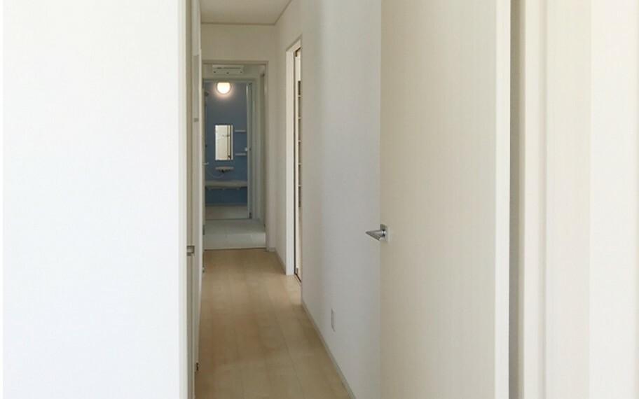 浴室 現地写真:廊下(2号棟)