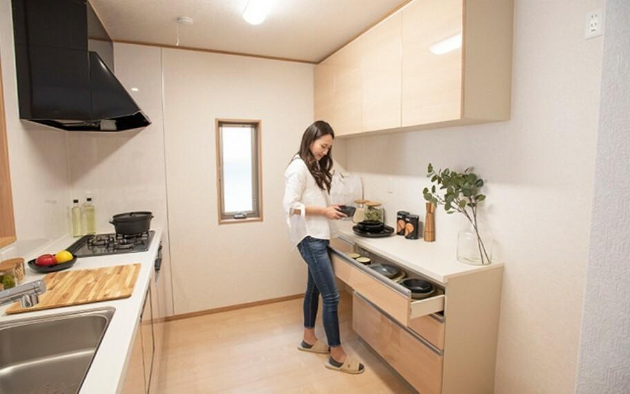 キッチン 当社分譲施工例:カップボード