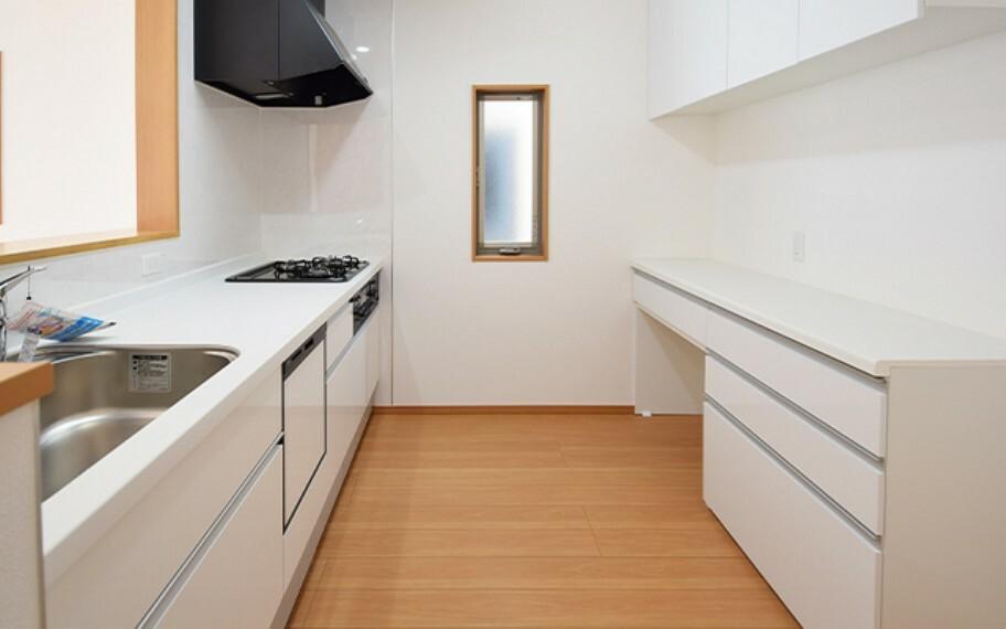 キッチン 現地写真:キッチン(11号棟)