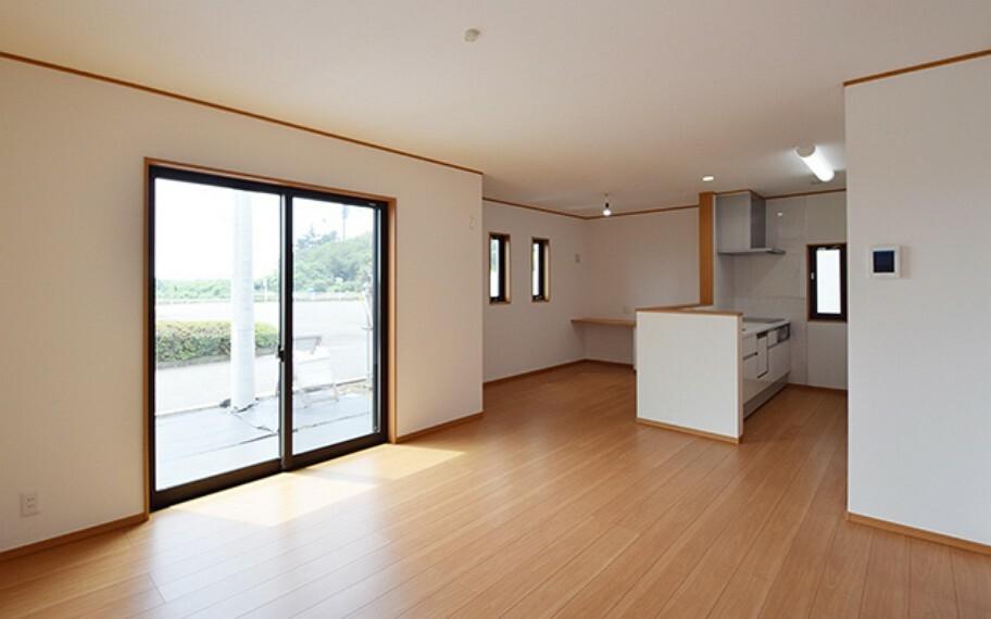 居間・リビング 現地写真:LDK(6号棟)