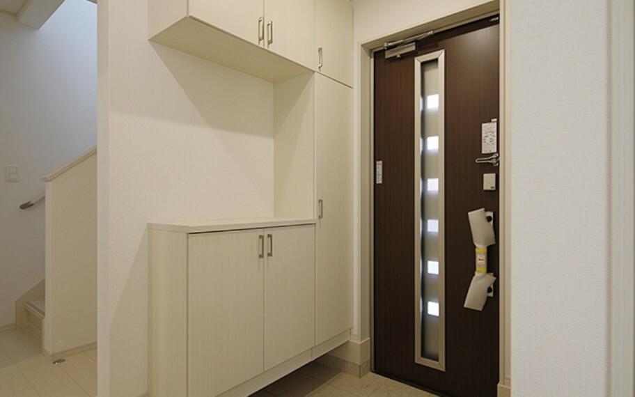 完成予想図(内観) 当社分譲施工例:玄関