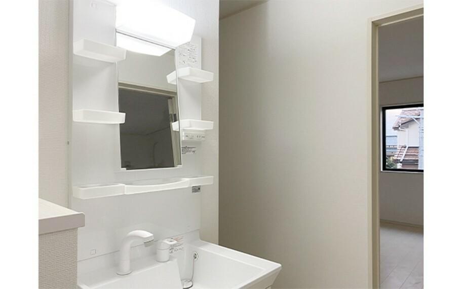 洗面化粧台 現地写真:2階洗面(1号棟)