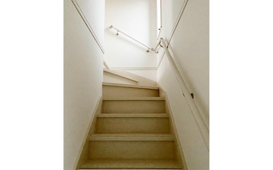 現地写真:階段(1号棟)